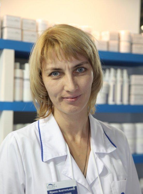 Осипова Ирина Анатольевна - врач, косметолог,  сертифицированный тренер марок ELDAN Cosmetics  и  MesoSet
