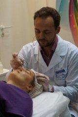 Кононов Дмитрий Юрьевич, врач косметолог, сертифицированный тренер марок MesoSet и ELDAN Cosmetics