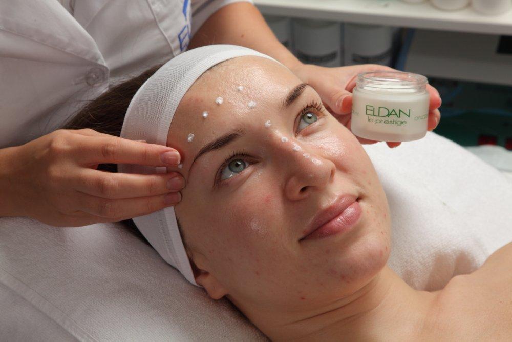 Процедура уход за жирной кожей с применением миндального пилинга.JPG